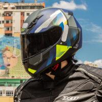 capacete-x11-trust-pro-transit-azul-e-verde-3