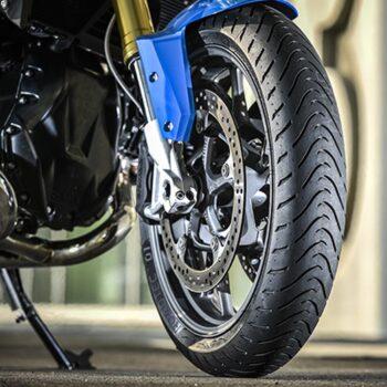 Conheça as especificações do pneu da sua moto